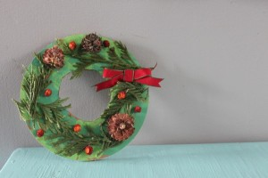 Christmas crafts for kids - nature wreath