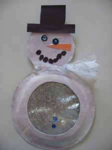 Christmas crafts for kids - snow globe snowman