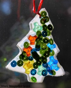Christmas crafts for kids - tree sun catcher