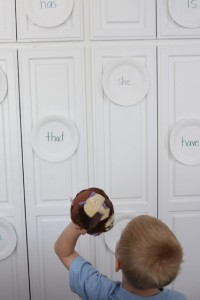 Preschool sports theme - paper plate sight word game