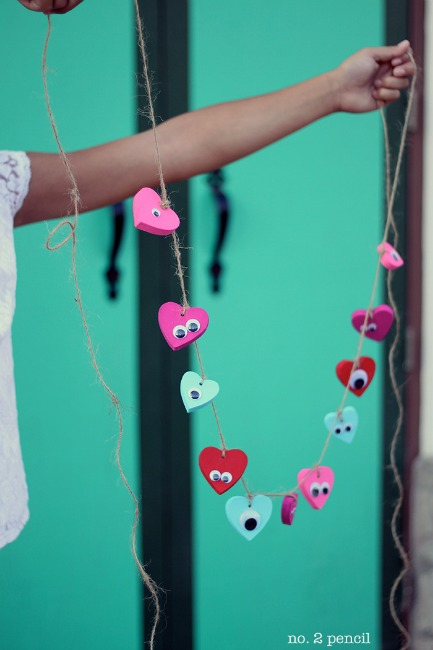 Valentines crafts for preschoolers - heart garland