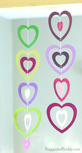 Valentines crafts for preschoolers - paper heart mobile