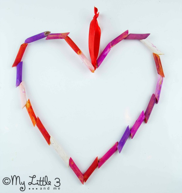 Valentines crafts for preschoolers - pasta and bead hearts
