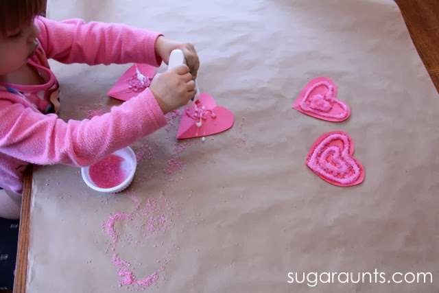 Valentines crafts for preschoolers - textured hearts