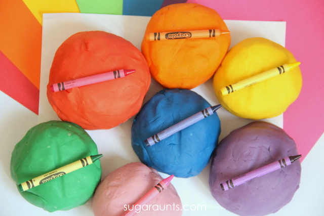 Easy play dough recipe - crayon play dough
