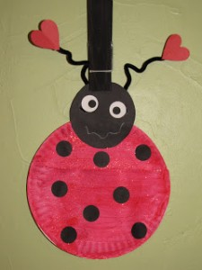 Paper plate valentine crafts - love bug valentine holder