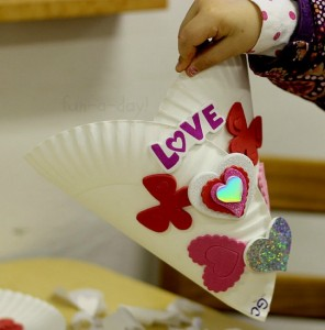 Paper plate valentine crafts - simple valentine holder
