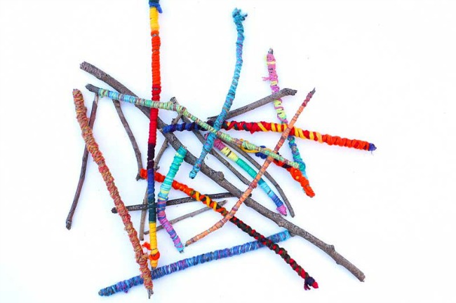 Yarn crafts for kids - yarn sticks