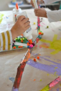 Nature crafts for kids - collaborative stick painting