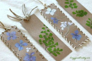 Nature crafts for kids - nature bookmarks