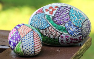 Nature crafts for kids - zentangle rocks