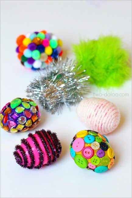 Preschool Easter activities - texture eggs