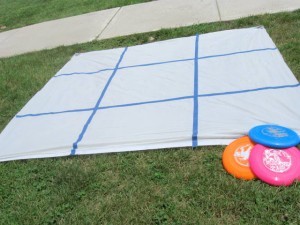 Fun outdoor games for kids - frisbee tic tac toe