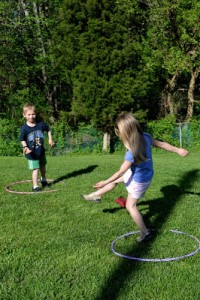 Fun outdoor games for kids - hula hoop games