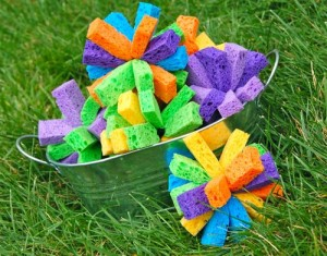 Fun outdoor games for kids - sponge water bombs
