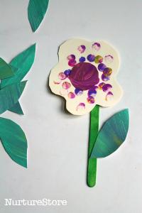Spring crafts for toddlers - fingerprint flowers