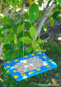 Spring crafts for toddlers - homemade bird feeders