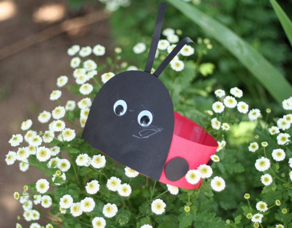 Spring crafts for toddlers - ladybug hat