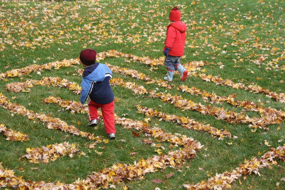 Fall crafts for kids - leaf maze