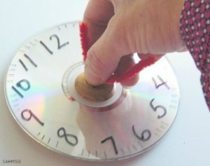 Teaching time to kids - hands on homemade clock