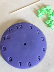 Teaching time to kids - magnet clock