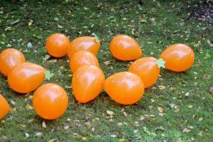 Halloween games for kids - pumpkin stomping
