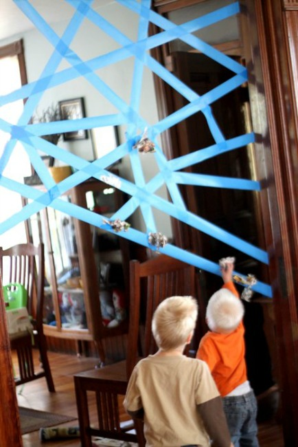 Halloween games for kids - sticky spiderweb game