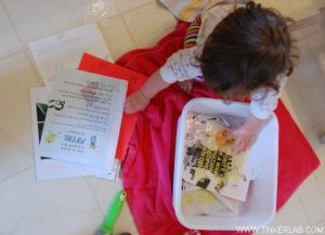 sensory-activities-for-toddlers-wet-paper
