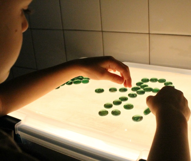 The easiest and BEST DIY Light table tutorial - 10 minutes to make and so inexpensive!