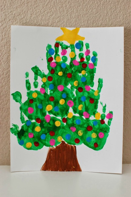 christmas-handprint-art-canvas-tree