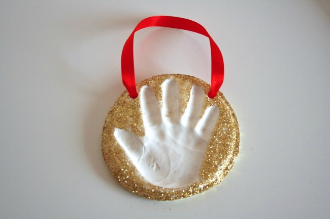 christmas-handprint-art-simple-ornament
