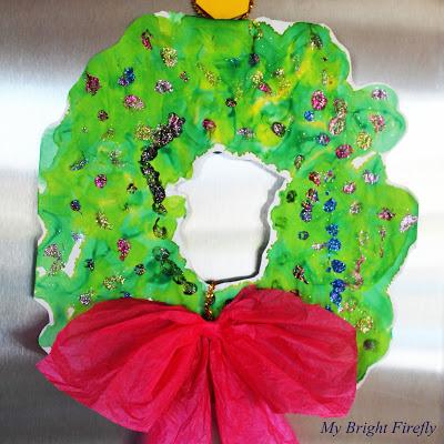 christmas-handprint-art-wreath