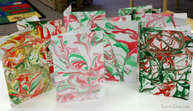 christmas-art-for-kids-marbled-art