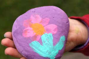 finger-painting-ideas-paper-weight