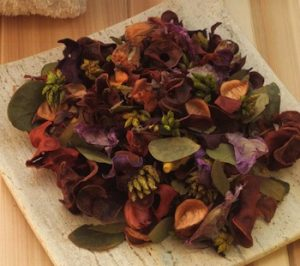 making-potpourri-with-kids-spring-potpourri