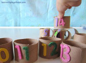 teaching-numbers-cardboard-tubes