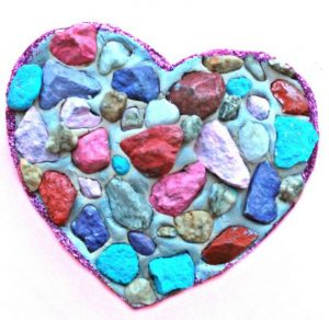 A gorgeous heart craft for preschoolers - mosaic rock hearts!
