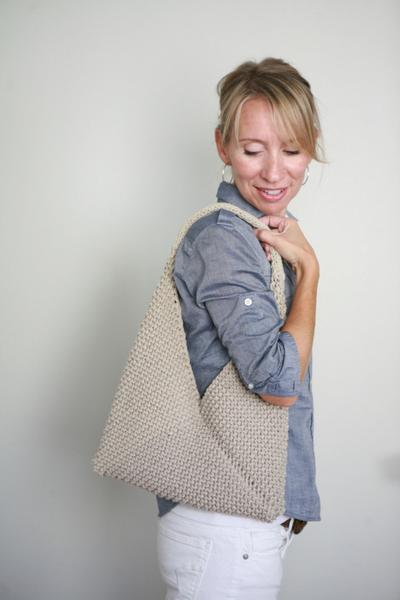 This knit bag is made from just one knit rectangle. This is the perfect beginner knitting project.