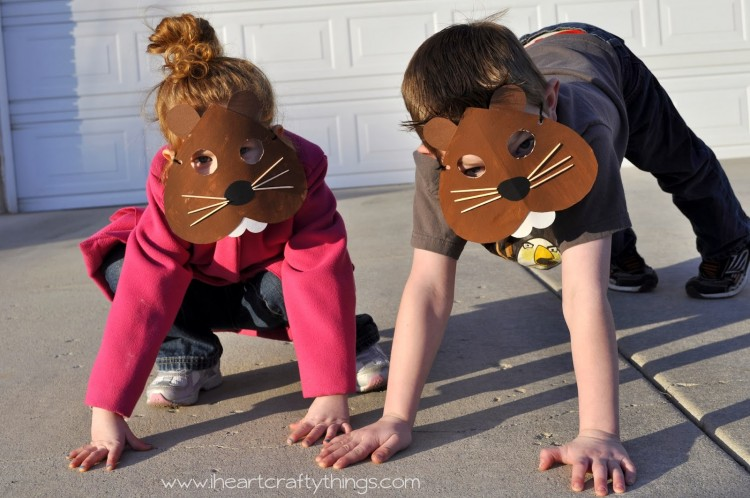 A great groundhog day craft for kids - preschool masks!