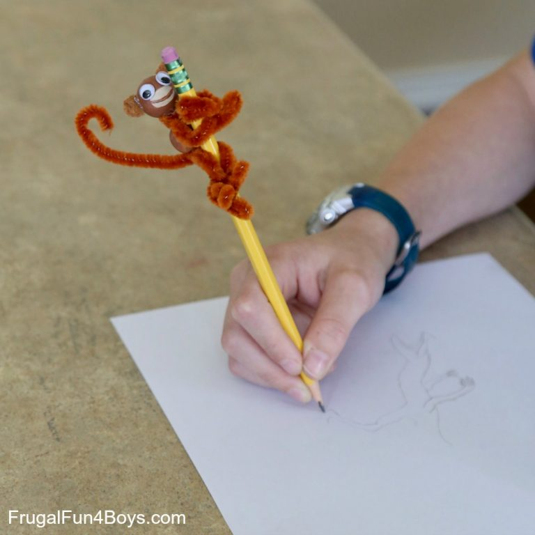 Monkey pencil toppers using pipecleaners