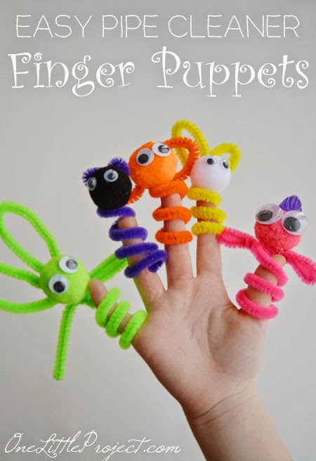 These pipecleaner finger puppets are such fun crafts for kids to make