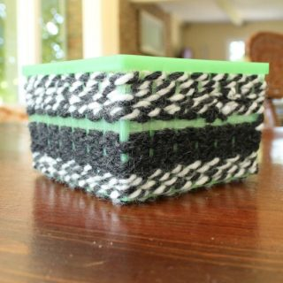 A great way to practice patterning with kids is weaving. This is a great and simple woven basket craft for kids. An awesome woven basket tutorial! #weaving #preschool #craft #patterns
