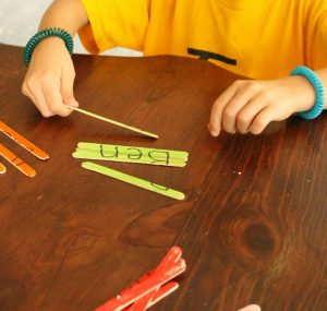 These name puzzles are a great way to learn a name for preschoolers! All you need is popsicle sticks too. #KwikStix #sponsored #preschool #name #letters #learning