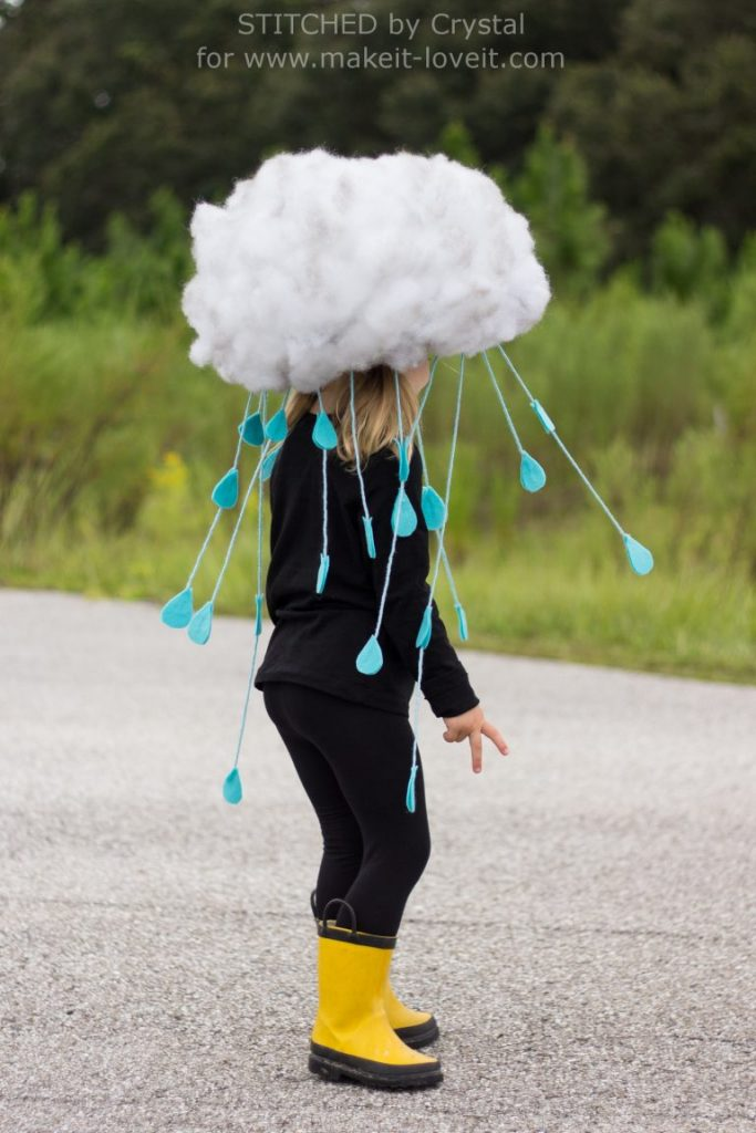 A cute DIY halloween costume for kids - a rain cloud! Great for preschoolers