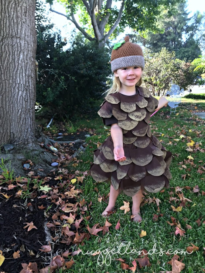 A pinecone halloween costume? When it turns out this cute - why not!