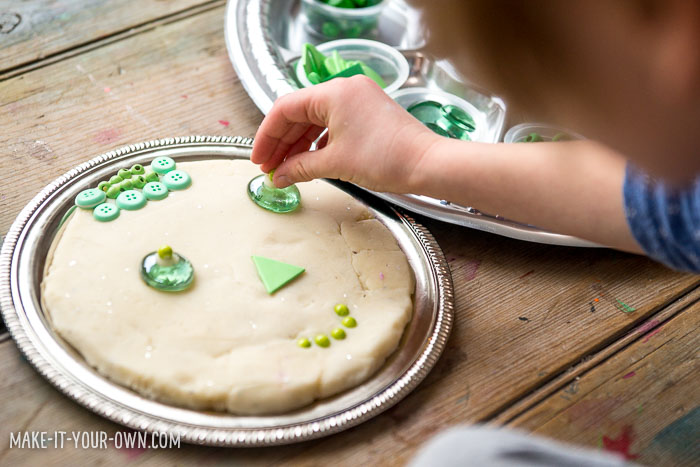 Creating with loose parts and playdough! An awesome playdough activity for preschoolers