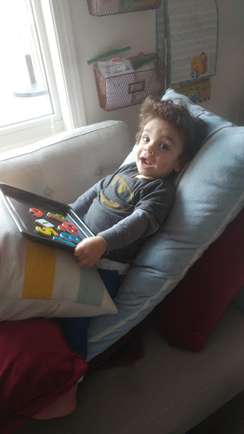 Tips, activities, and advice for keeping kids still after a surgery or illness. Written by a Mom who's toddler was in a body cast for 4 months. Keep your little one engged and happy with these tried and true ideas. #howweelearn #quietplay #sittingstill #preschoolactivities #kidsactivities #momtips #surgery