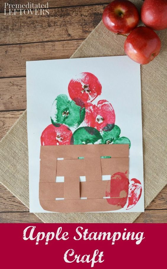 Stamping and weaving make this an engaging apple craft for preschoolers! Here you will find cute and simple apple crafts for kids, toddlers and preschoolers. #applecraft #fallcrafts #fallcraftsforkids #autumncrafts #preschoolcrafts #howweelearn
