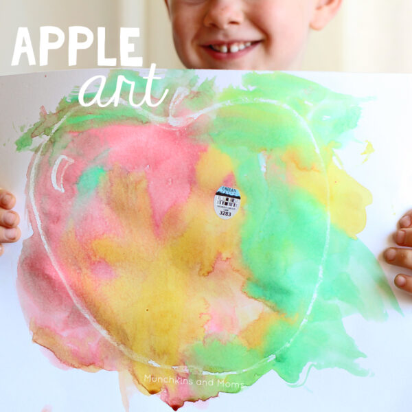 Give your child the opportunity to explore the fun of watercolours with this beautiful apple craft. Here you will find cute and simple apple crafts for kids, toddlers and preschoolers. #applecraft #fallcrafts #fallcraftsforkids #autumncrafts #preschoolcrafts #howweelearn