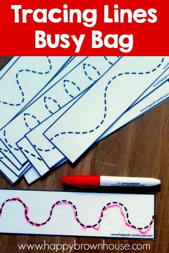 Preschoolers can have fun using dry-erase markers to practice their pre-writing skills with this busy bag! You can find more stellar busy bags for babies, toddlers, preschoolers and kids by clicking here! #howweelearn #busybags #quiettime #finemotor #preschoolactivities #kidsactivities